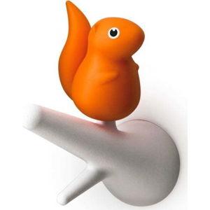 Sada 2 oranžovo-bílých nástěnných háčků Qualy&CO Squirrel